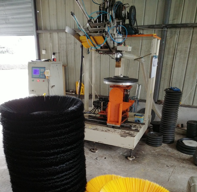 扫地机圆盘刷生产机械
