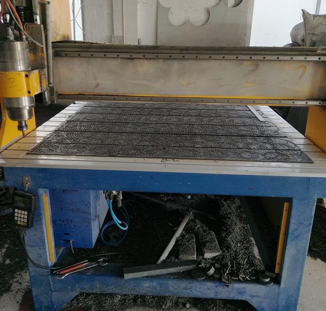 板刷打孔机械
